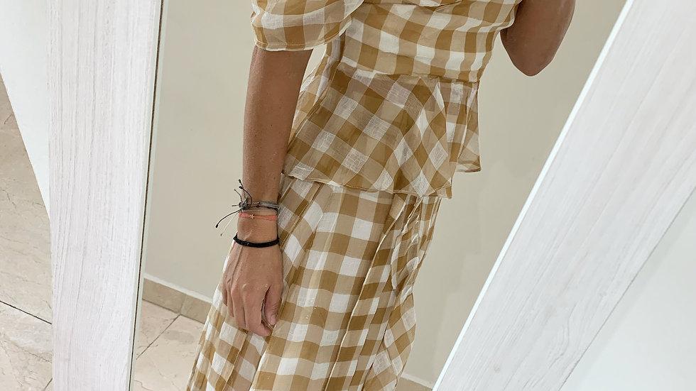 camisa y falda cuadrlle