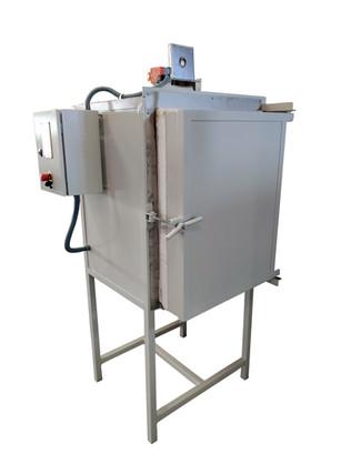 Horno eléctrico de 100lt de capacidad para una temperatura de trabajo de 1.300°C.