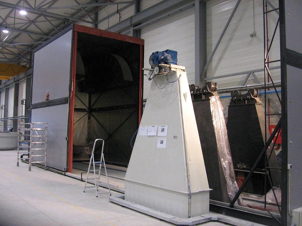 Horno para tratamiento de piezas de gran volumen, aeronaútica, horno eléctrico