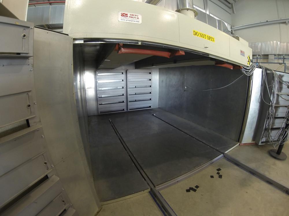 Horno para el tratamiento de composites