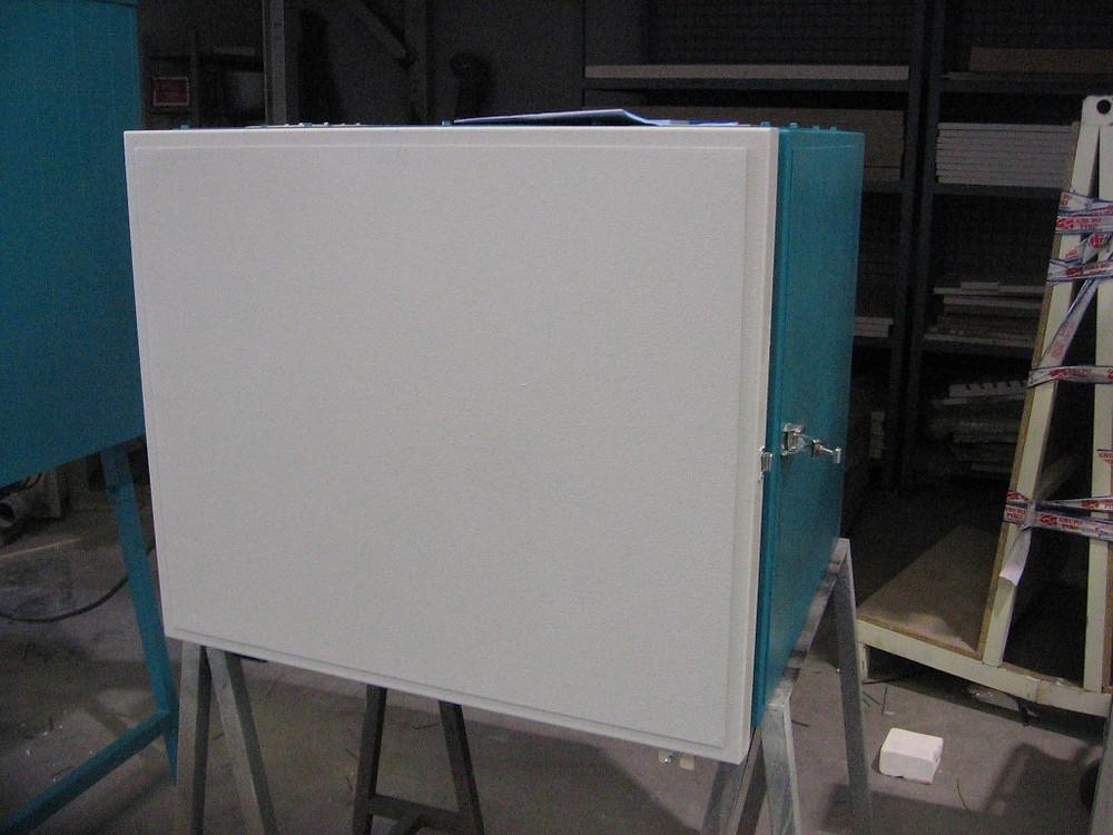 Horno eléctrico para tratamientos térmicos, sistema de 4 bandejas.
