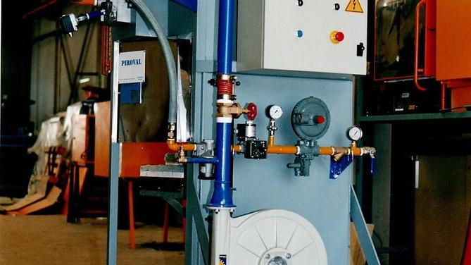 Horno de crisol destinado a la realización de pruebas de laboratorio