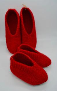 Pantoufles en laine bouille pour les petits et les grands !  Dominique Peytregnet