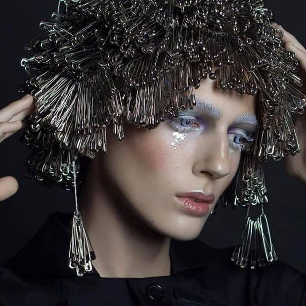 Avant-garde makeup