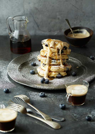 Blueberry-Buttermilk-Hotcakes-with-Coffe