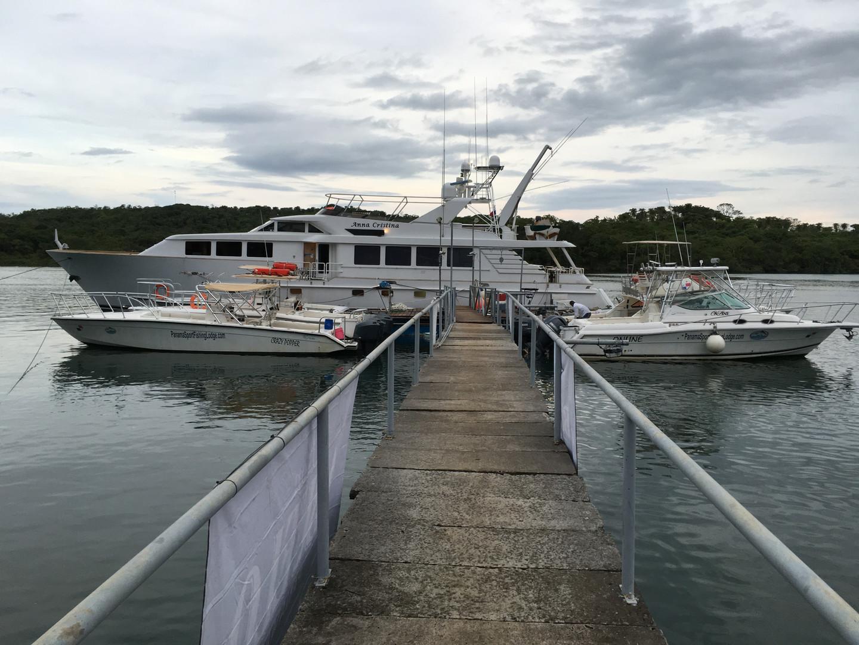 panama sport fishing lodge fleet docked at lodge