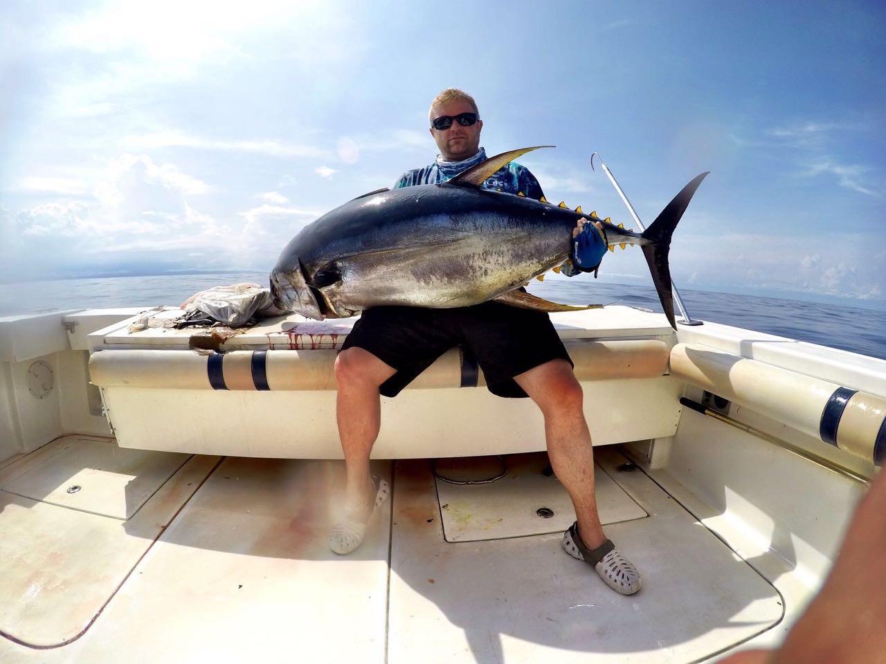 Mothership stay at panama sport fishing lodge tuna