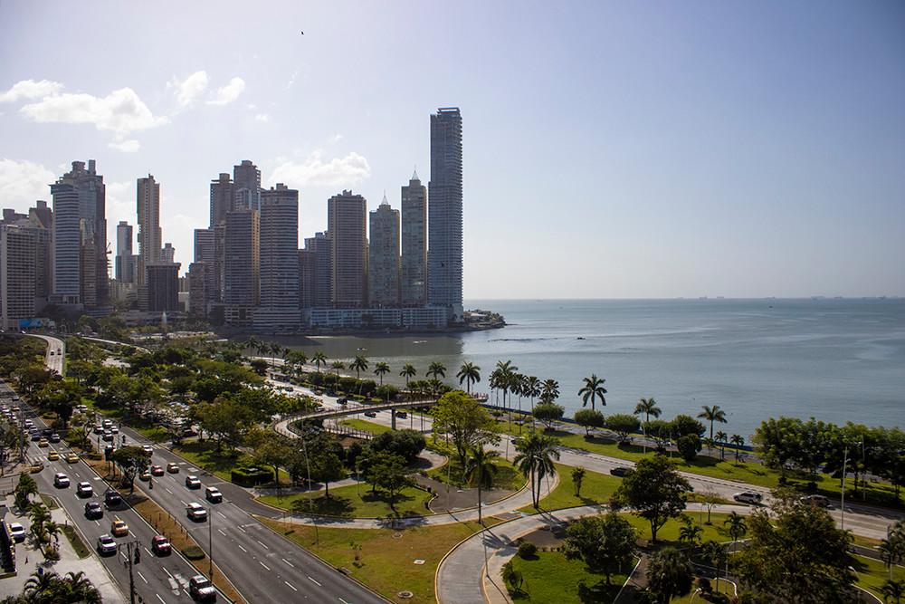 Yoo tower luxury apartment rental in Panama view