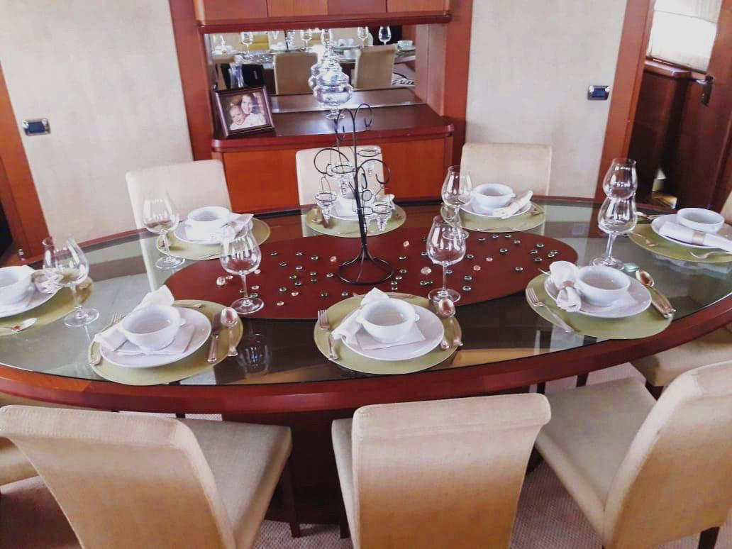 dining table of 105ft azimut boat rental in panama