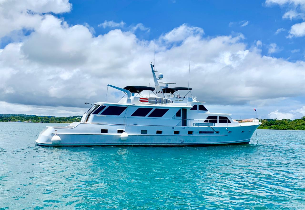90ft broward yacht for charter in panama