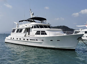 90ft broward boat rental in panama