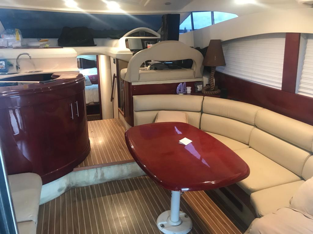 52ft astondoa interior for rental in panama