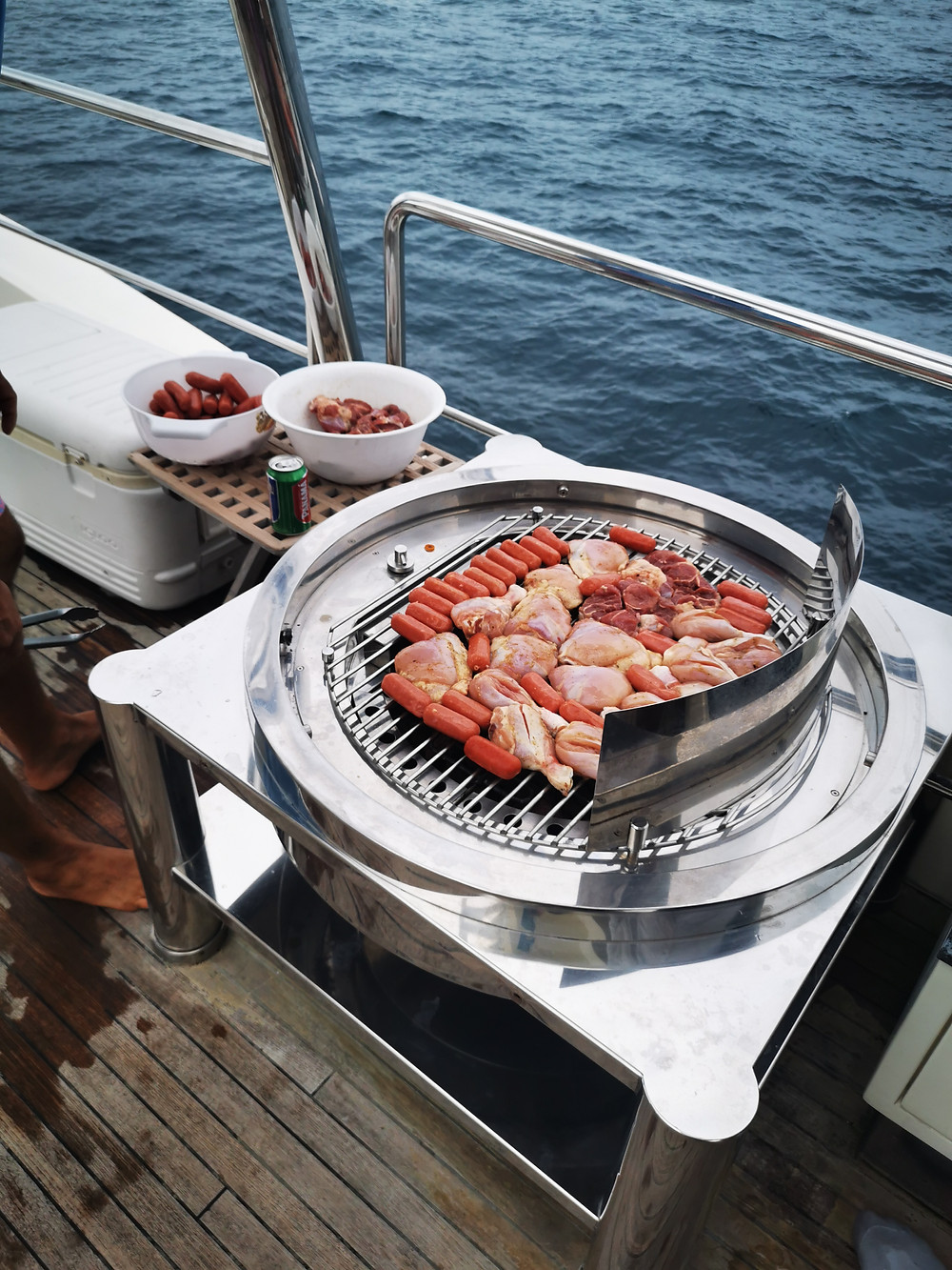 panama yacht party bbq onboard 105ft azimut