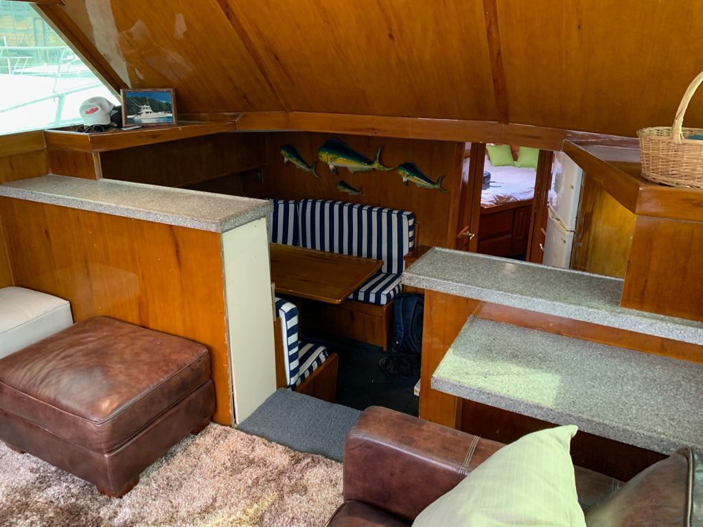 41ft Viking Interior