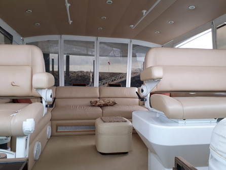 deck of 70ft moiari yacht charter in panama
