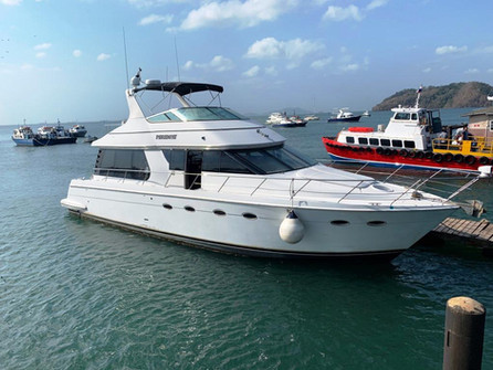 54ft carver boat rental in panama