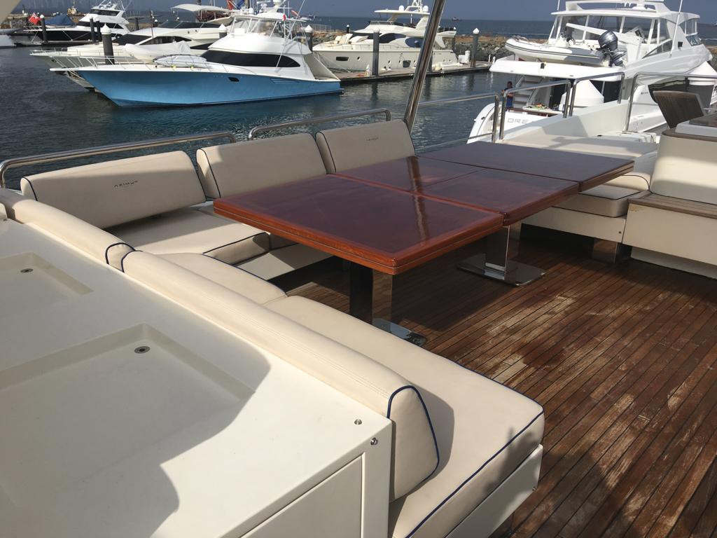 upper deck of 105ft azimut boat rental in panama