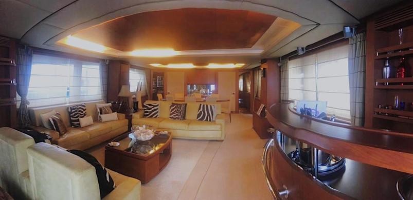 sala de estar de alquiler de barco azimut 105ft en panamá