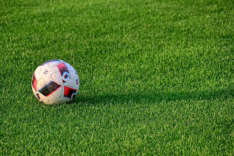 football-5307071_1920.jpg