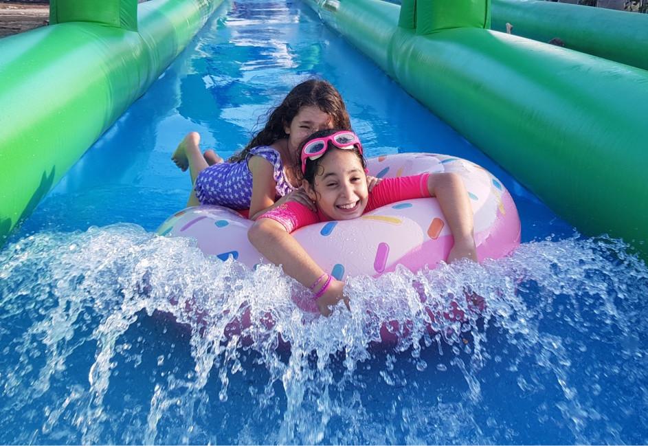 מה עושים בקיץ פעילות עם מים לילדים