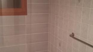 Nouvelle douche à la place d'une baignoire