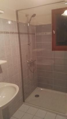 Remplacement de la robinetterie de baignoire par celle d'une douche