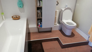 Bâti dans une salle de bain