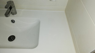 Salle de douche avec meuble vasque.jpg