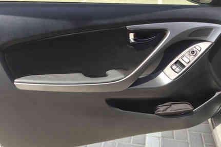 hyundai-elantra-2013-silver-coupe-2021-10-03-2d-1.8l-68000-km-29000-12.jpeg
