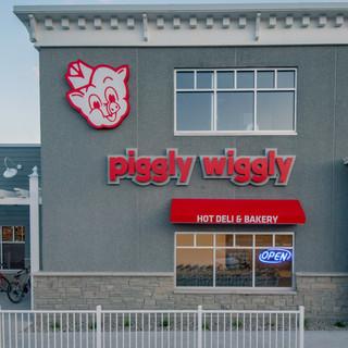 PigglyWiggly_SisterBay-17.jpg