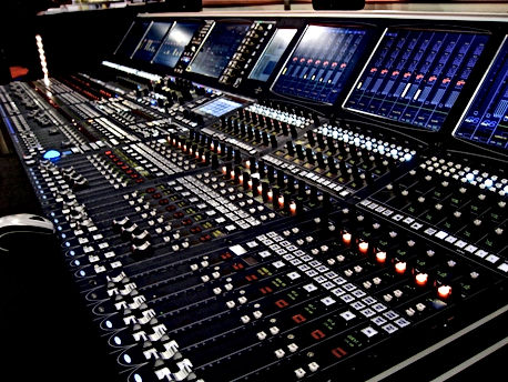 294090-Mixing_console.jpg