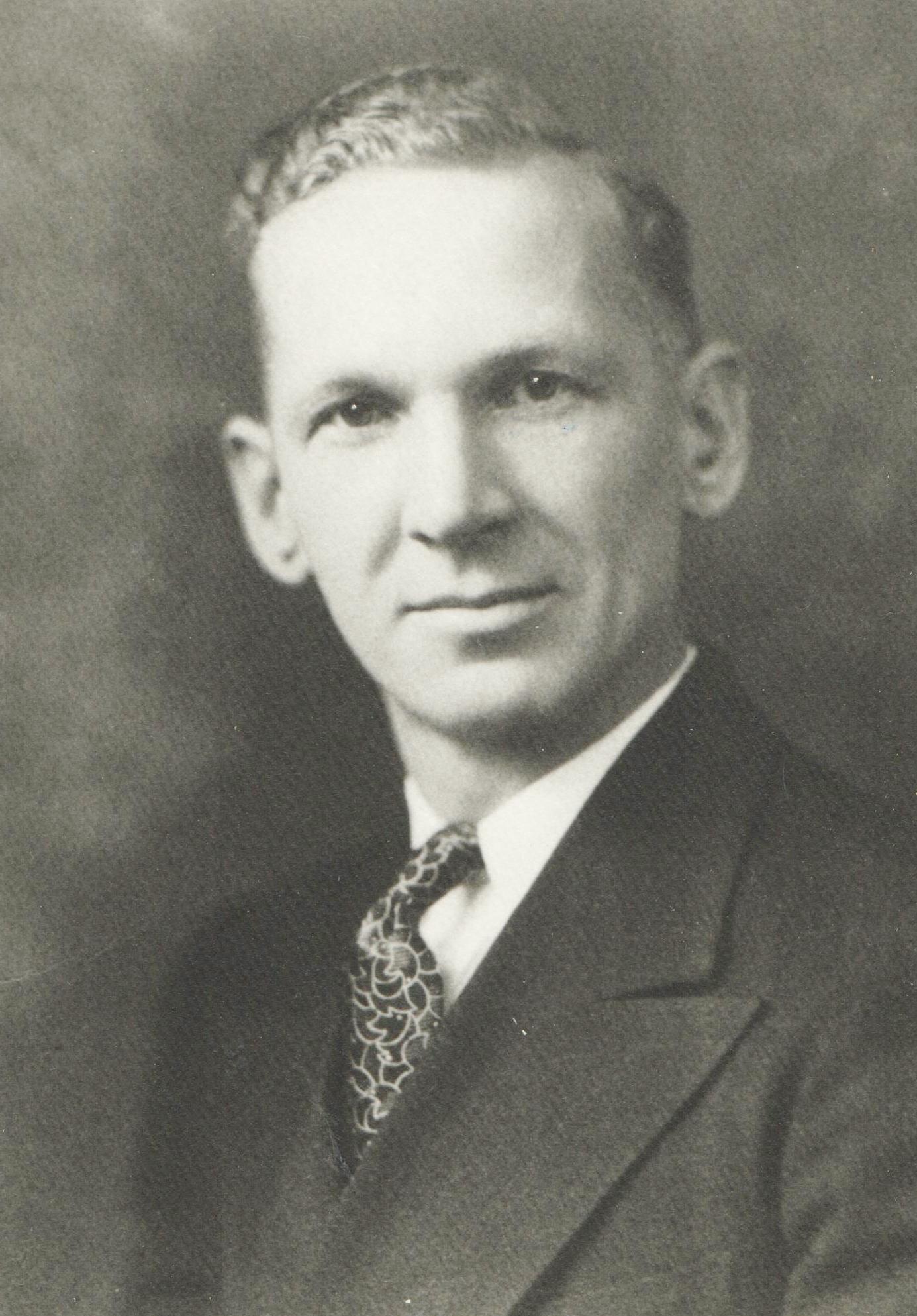 1933 Arne E. Karvela