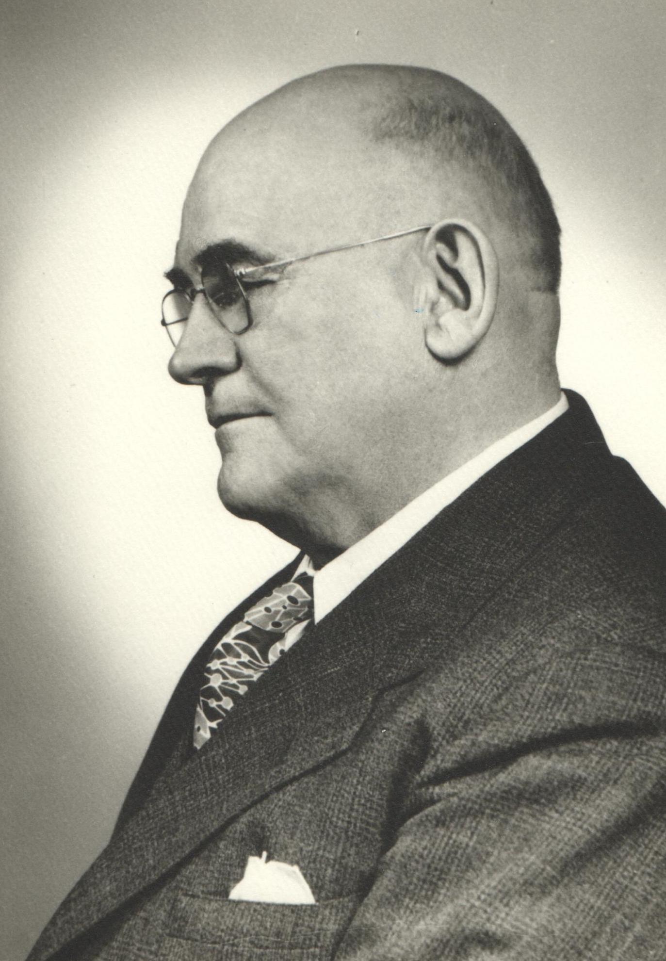 1915 G. E. Peterson