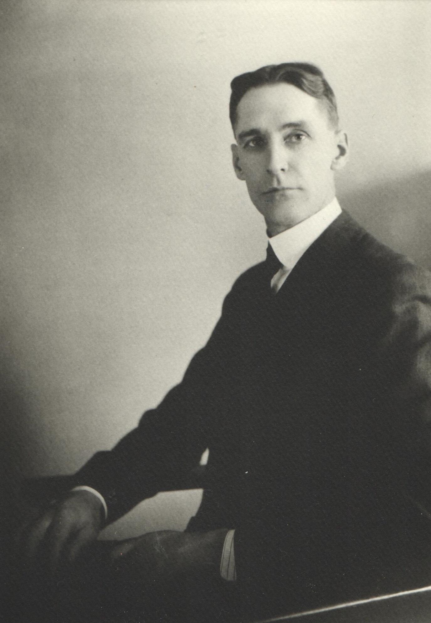 1913 H. E. Loye