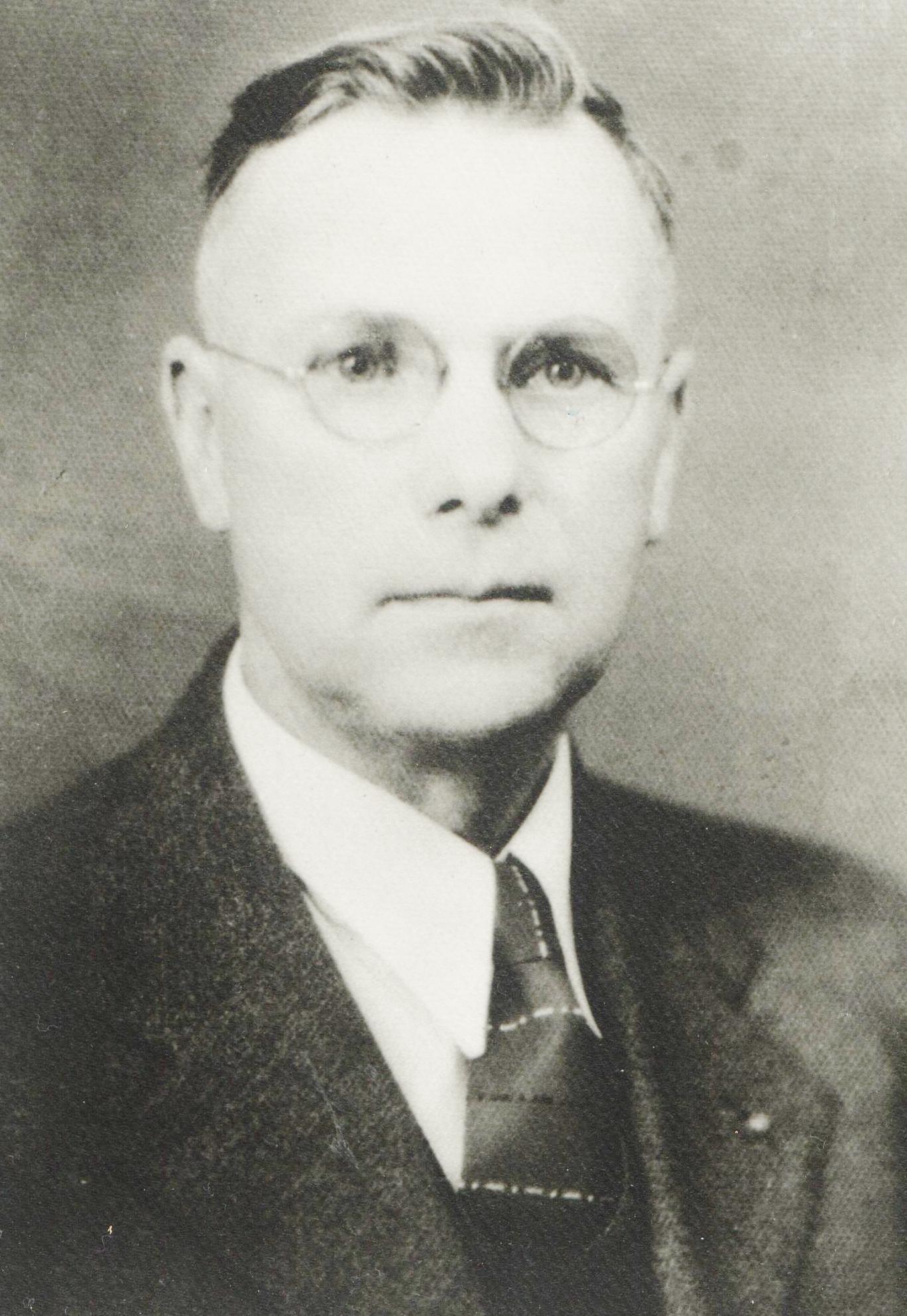 1942 H. H. Peterson