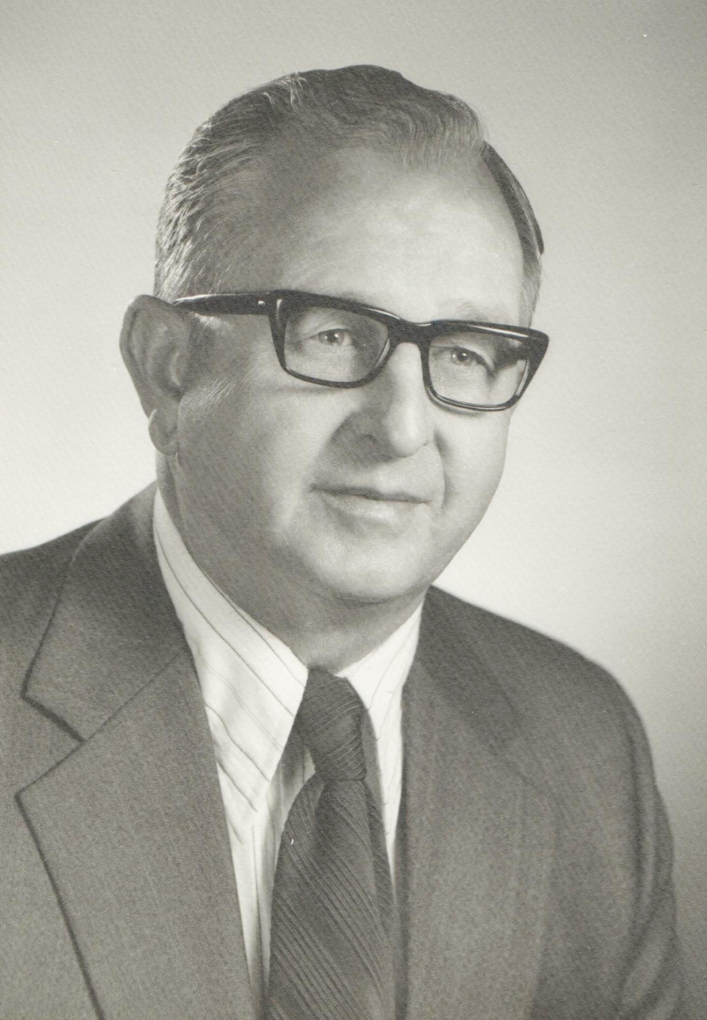 1975 Roscoe L Gevik