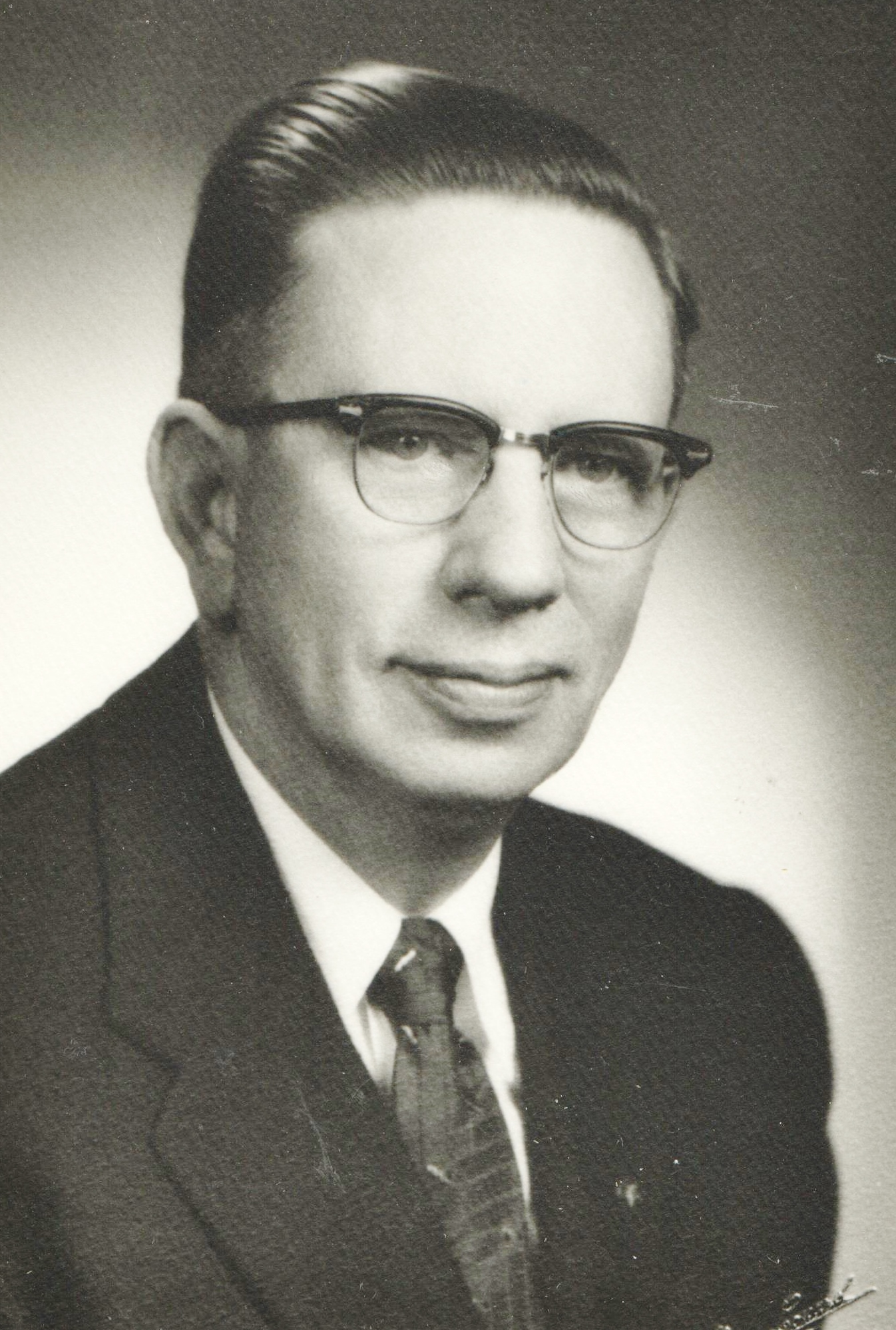 1954 Lawrence E. Bratt