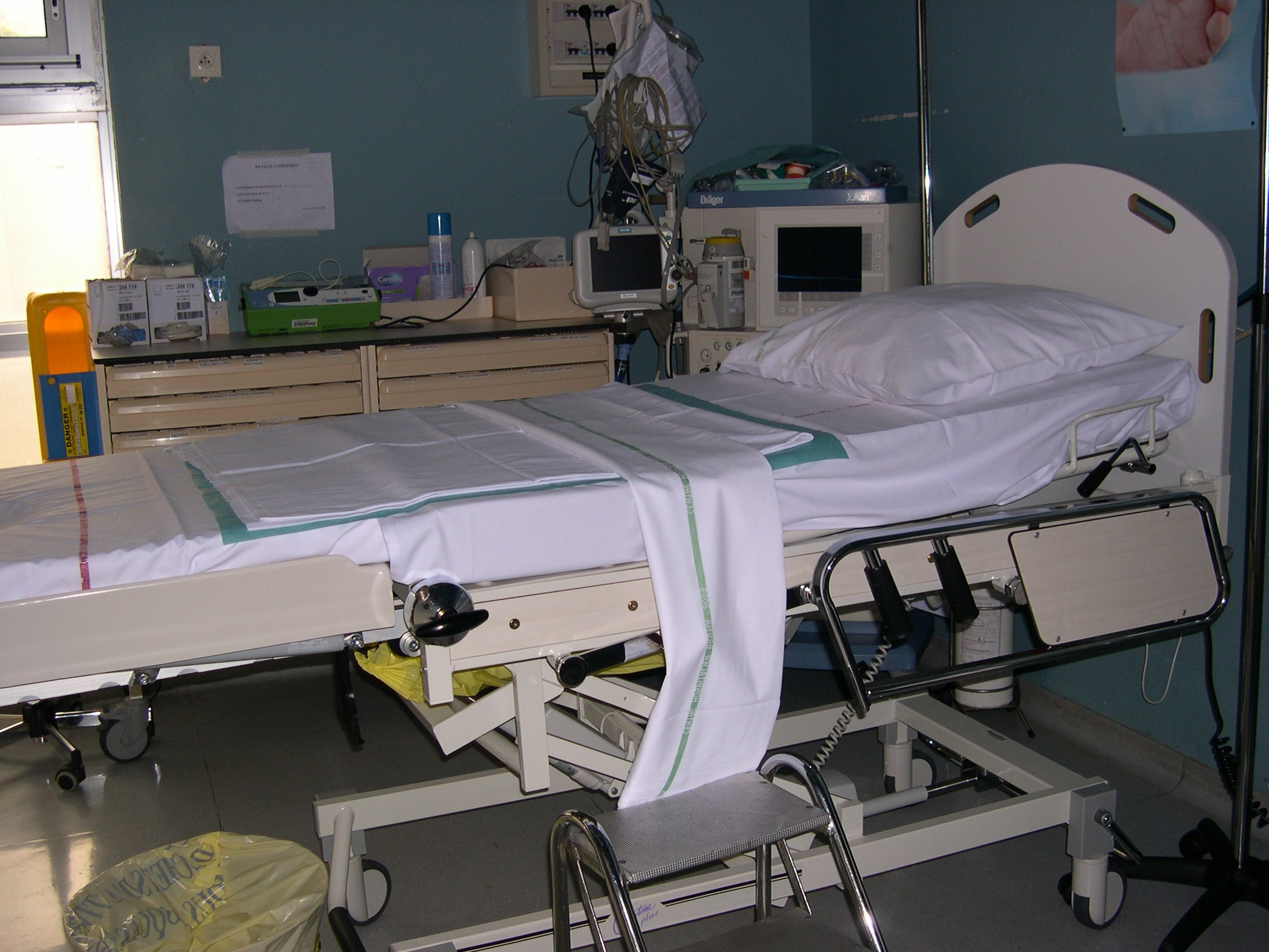 table d'accouchement 2 2011.jpg