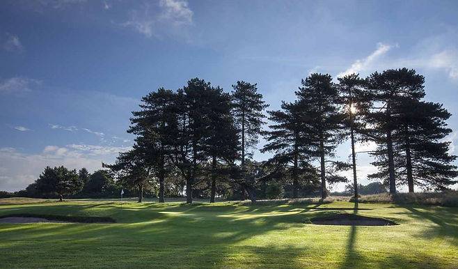 greenside-on-the-2nd-hole-at-thorpeness-