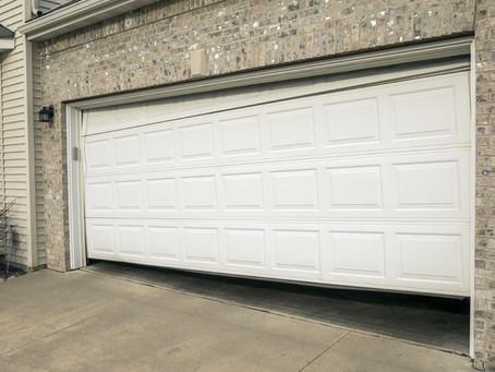 7 Signs You Need a New Garage Door