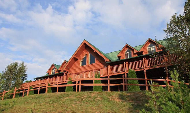 About Moose Hollow Lodge