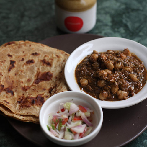 Chhole with Chapatis (x4)