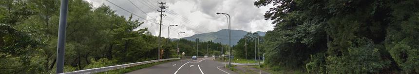 ③道路標識のある道を右折