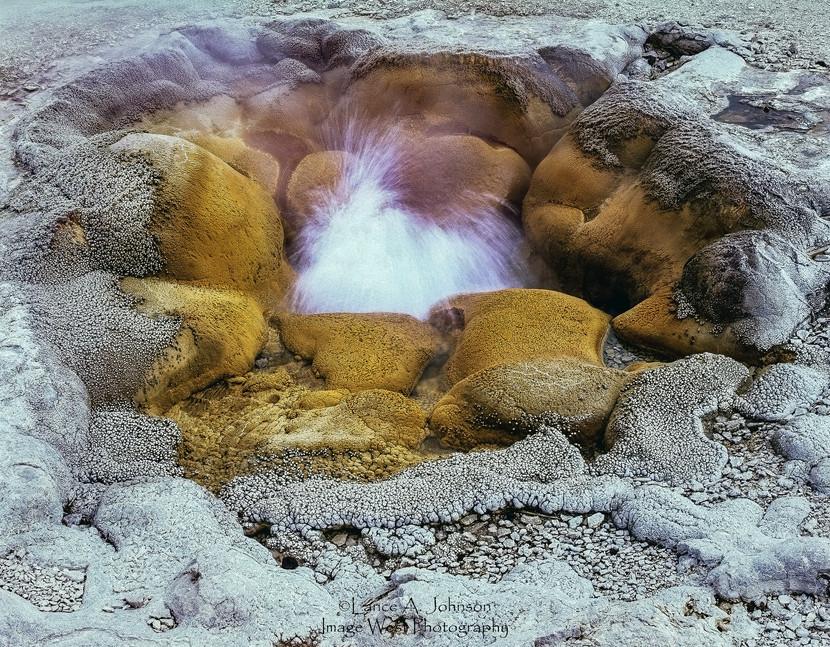 Doughnut Geyser, Yellowstone National Pa
