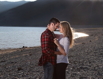 couples photography at barrier lake