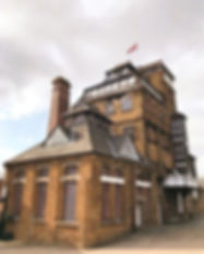 Hook-Norton-Brewery-Cotswolds-Travel-Gui