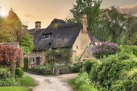 Cotswolds Guided Tours | Thatched Cottages