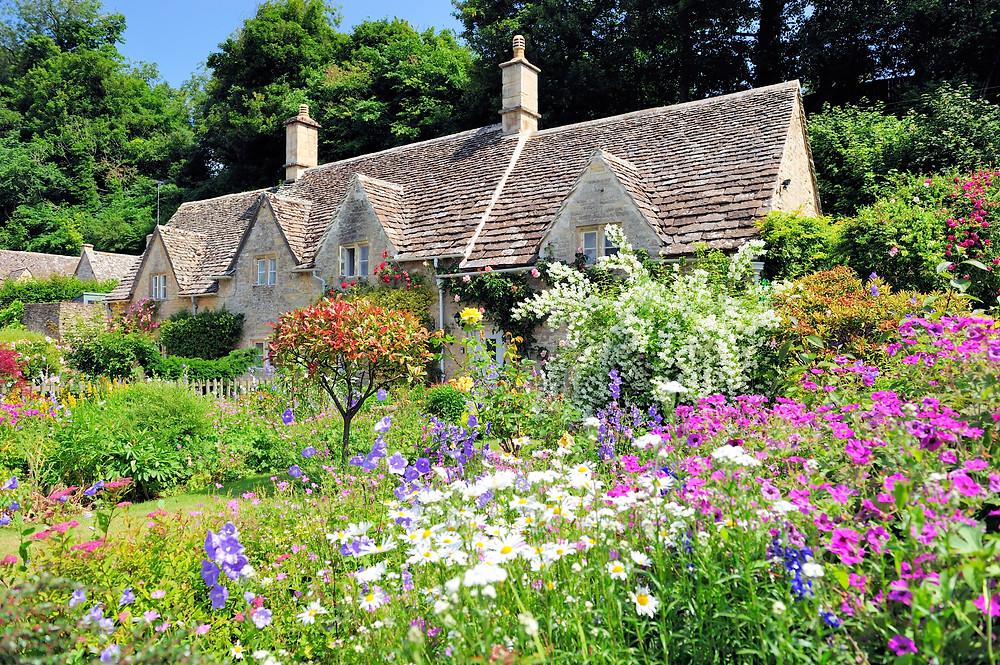 Cotswolds Guided Tours £45pp | Cotswolds Secret Garden Tour