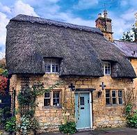 thatched cottage cotswolds tour