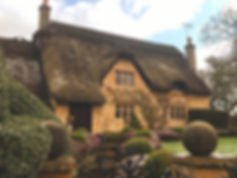 thatched-cottage-cotswolds-compressor.jp